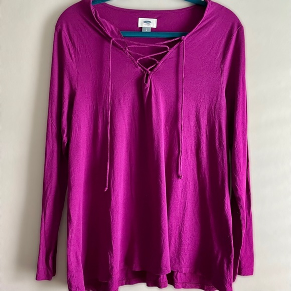 Old Navy long sleeved lace up v neck top